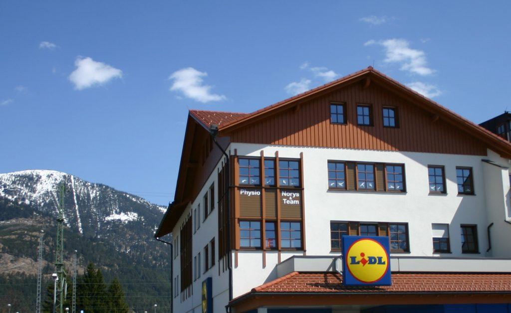 Norys & Team im Lidlhaus 2. Stock / Fahrstuhl in Garmisch-Partenkirchen